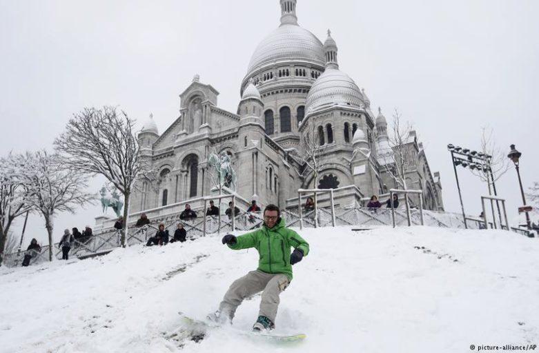 Paris im Schnee – ein Skiparadies auf Montmartre
